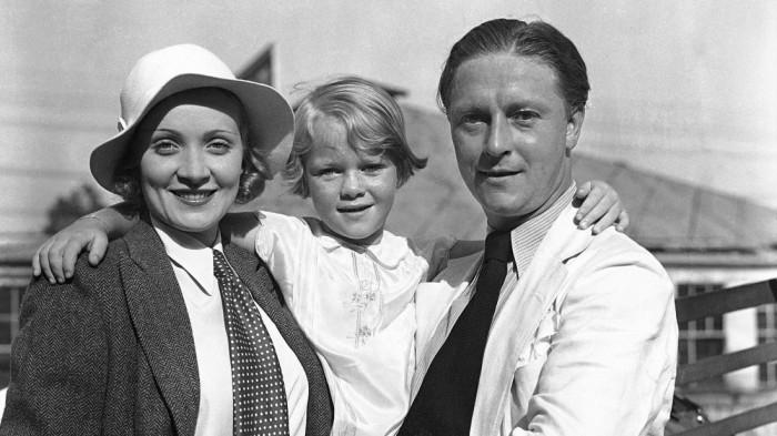 Марлен Дитрих и Рудольф Зибер с дочерью. / Фото: www.sueddeutsche.de